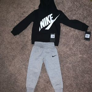 3t Nike fit brand new